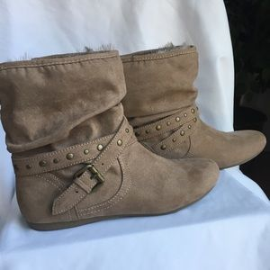 Report Suede beautiful women's boots